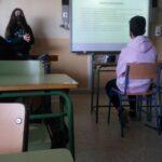 Inmaculada Domínguez hace su presentación titulada_ ¿ Qué quiero ser de mayor_ en 3°A y B (1)